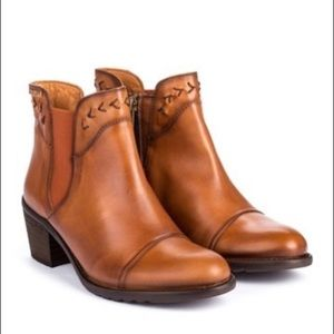 Pikolinos Andorra Leather Ankle Booties 368